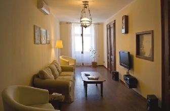 Apartments in Lviv - Three room - Rynok Sqr, 20