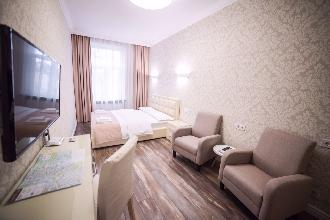 Apartments in Lviv - One room - Danylo Halytskyi Square, 2