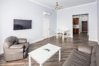 Appartements in Lviv - Zwei Zimmer - Danylo Halytskyi Square, 2