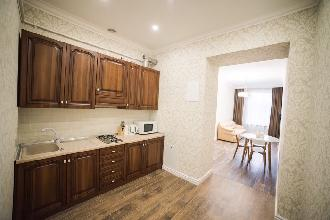Apartments in Lviv - Two room - Danylo Halytskyi Square, 2