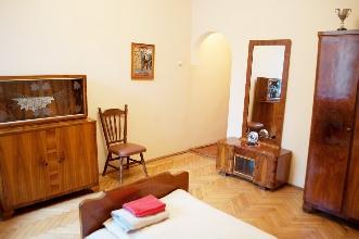 Apartments in Lviv - Three room - Svobody Ave, 1/3/20