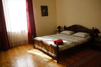 Apartments in Lviv - Two room - Svobody Ave, 1/3/12