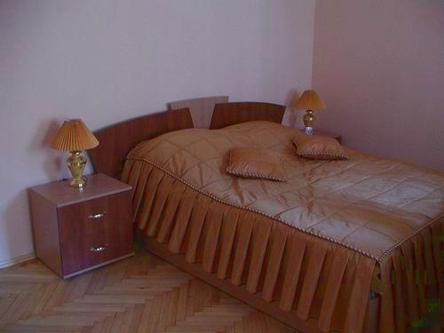 Однокімнатний апартамент: Староєврейська, 11 thumbnail