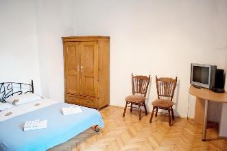 Apartments in Lviv - One room - Svobody Ave, 1/3/6b